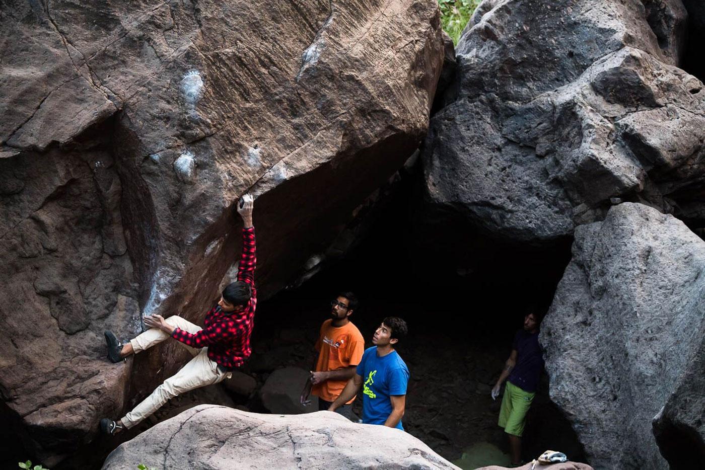 Canary-climbing-servicios-de-escalada-deportiva-islas-canarias-jorge-ortega-BOULDER-12